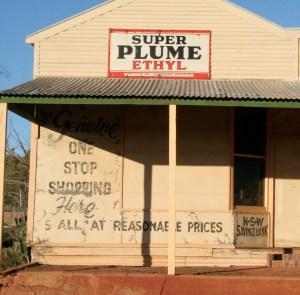 Store Super Plume